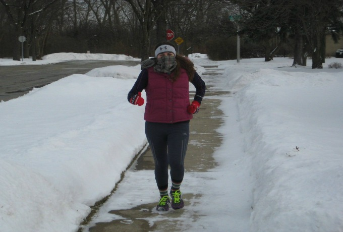 what to wear to run in snow